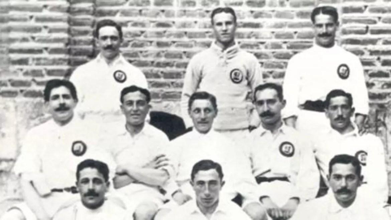 Foto do elenco de 1907 mostra o começo da história do Real Madrid