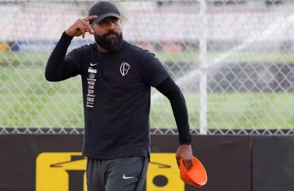 Diego Coelho treinando o Corinthians - novo técnico do Corinthians