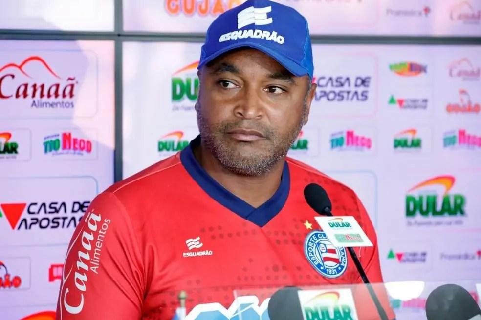 Roger em entrevista sob comando do Bahia em novo técnico do Corinthians