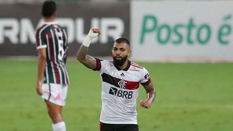 Gabigol comemora gol do Flamengo contra o Fluminense