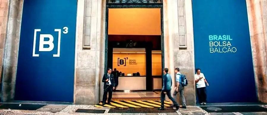 porta do prédio da B3, onde se compra ações