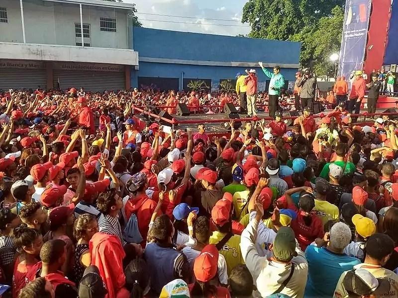 Foto mostra comício eleitoral