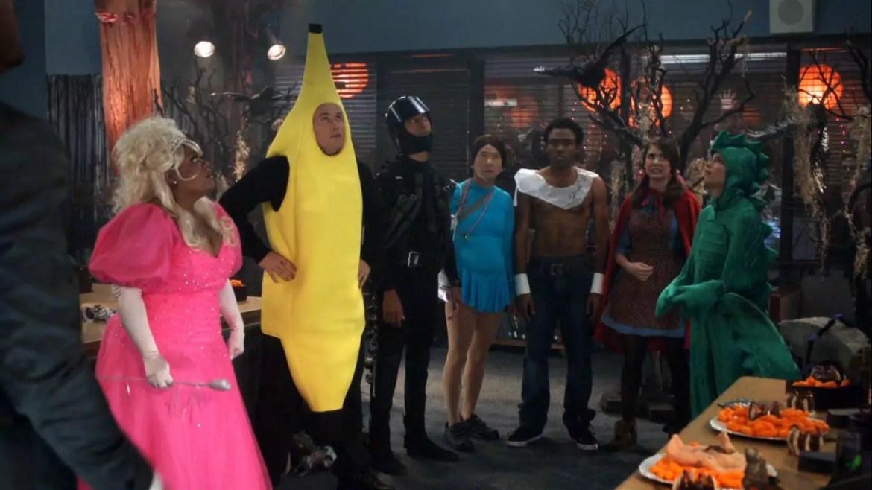 IMagem mostra cena de Halloween de Community