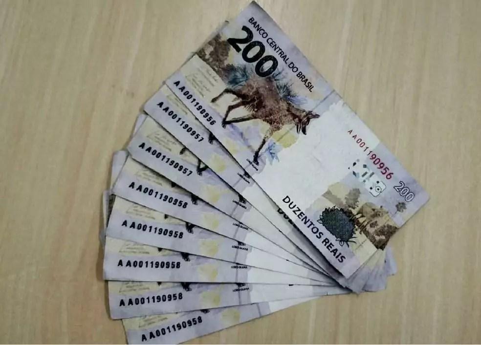 Oito notas falsas de R$ 200 foram apreendidas pela Polícia Federal do Pernambuco. Foto: Polícia Federal/Divulgação