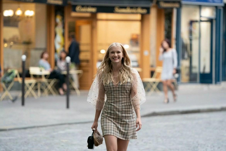 Camille de Emily em Paris