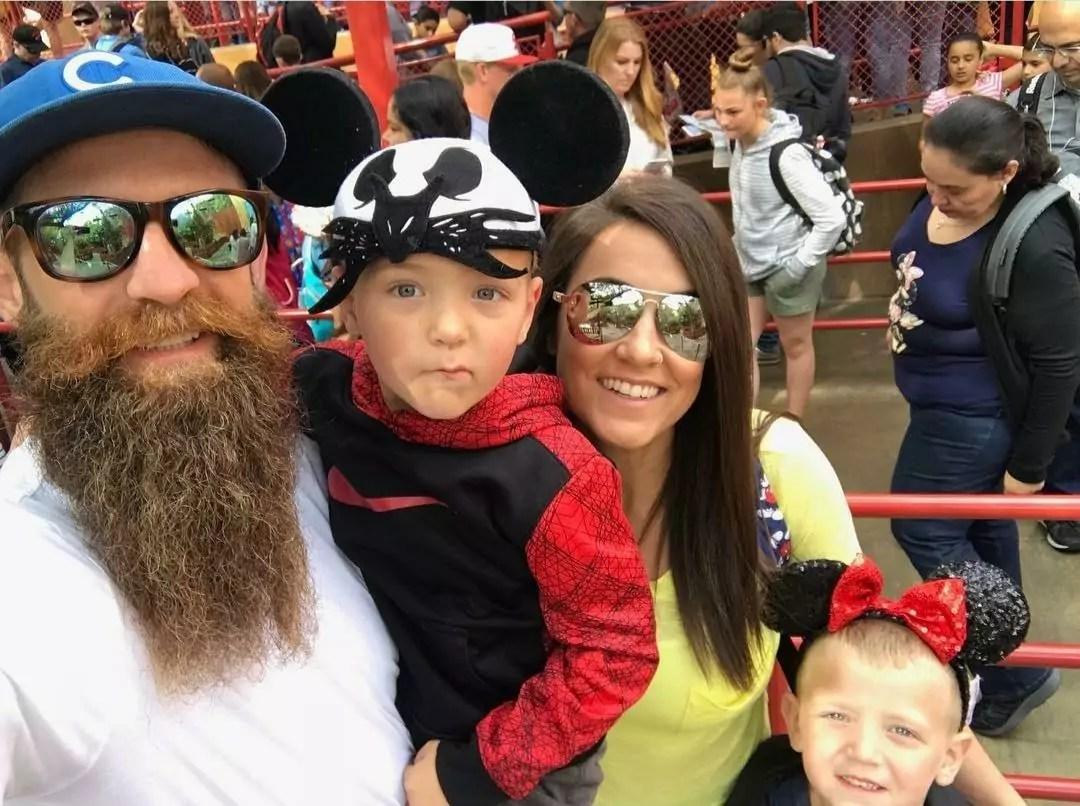 Imagem de Courtney Tillia com a família