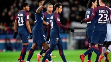 """Photo of VIDEO: PSG star sings along to Bisa Kdei's """"Asew"""""""