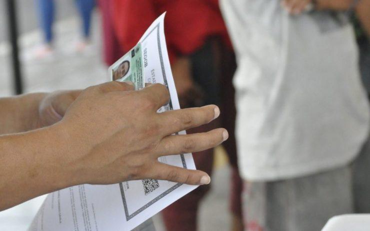 Regularización por tener documento vencido o realizar actividades no autorizadas en México