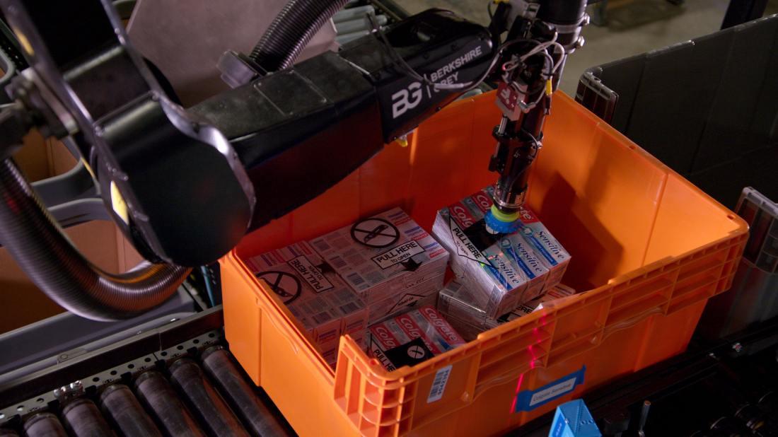 BG-Robotic-Picking_health-and-beauty-min.jpeg