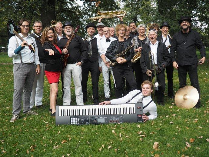 Deventer Jazz Orkest Live in De Kuip