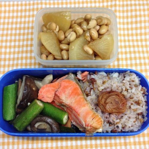 秋鮭、煮大豆弁当