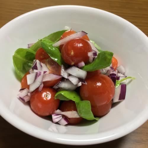 th_プチトマト紫タマネギサラダ