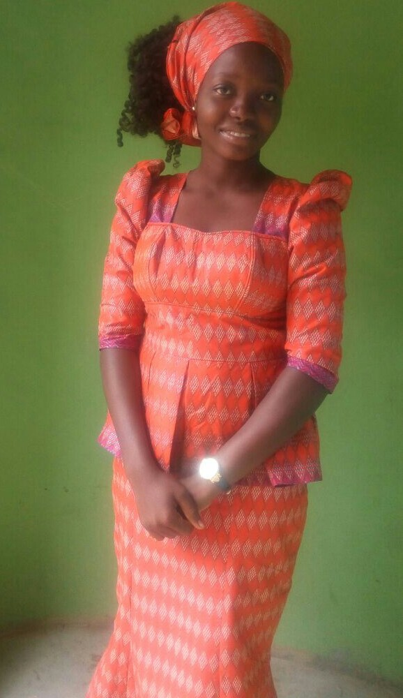 She is goldenly simple...hahaha...her name is Oluwafunmike Gold. She is unique. The Ankara sure suits her