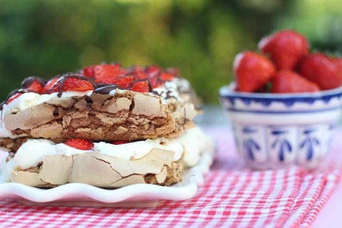 Pavlova met aardbeien en mascarpone