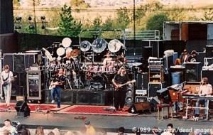 "Photo of Grateful Dead, April 30, 1989, Irvine, CA, ""When I Paint My Masterpiece"" © Robbi Cohn Dead Images"