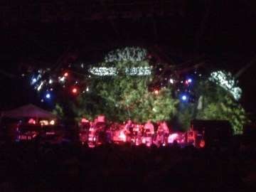 @wajiii: #furthur Dark Star @furthurband @deadheadland http://post.ly/3M6Bj http://fb.me/Iat54DVW