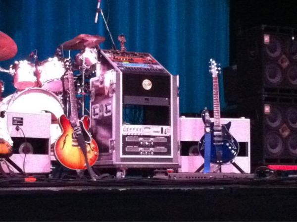 RT @Ramblin_Joe  Bob's instruments @furthurband #Furthur #Amherst http://pic.twitter.com/ak6aLneK