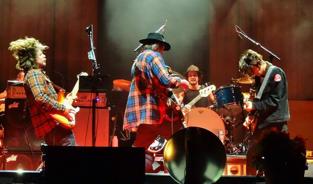"""VIDEO: Neil Young + Promise Of The Real  """"I Won't Quit"""" – Greek Theatre Berkeley 10.17.15"""