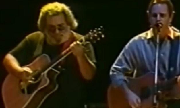 "VIDEO (~);} Jerry Garcia, Bob Weir, Rob Wasserman ""Throwing Stones""   12/4/1988 Oakland Coliseum Arena"