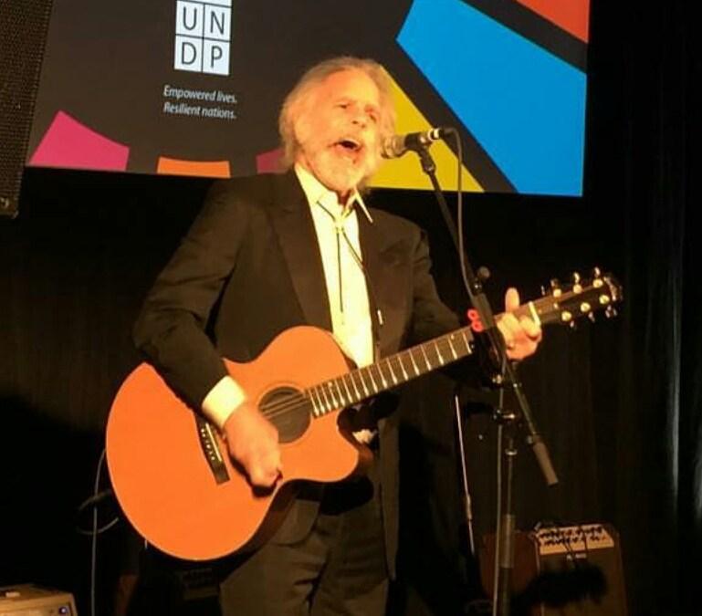 Weir Everywhere Dept: Bob Weir solo acoustic UNDP Gala 12-5-16