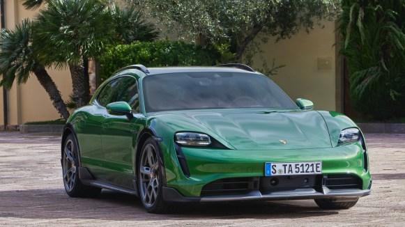 Porsche Taycan Cross Turismo 2022 exterior