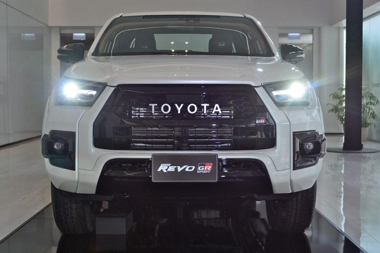 Toyota Hilux GR-Sport 2022 exterior