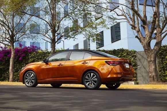 El legado del icónico Sedán de Nissan continúa y trae consigo lo mejor de dos mundos, formando una dualidad única: Ingeniería Japonesa y Manufactura Mexicana.
