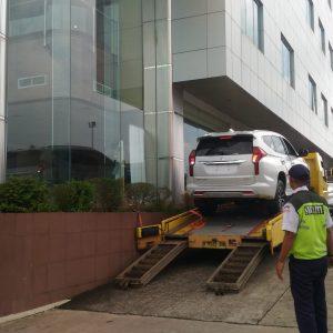 Mobil Gendong