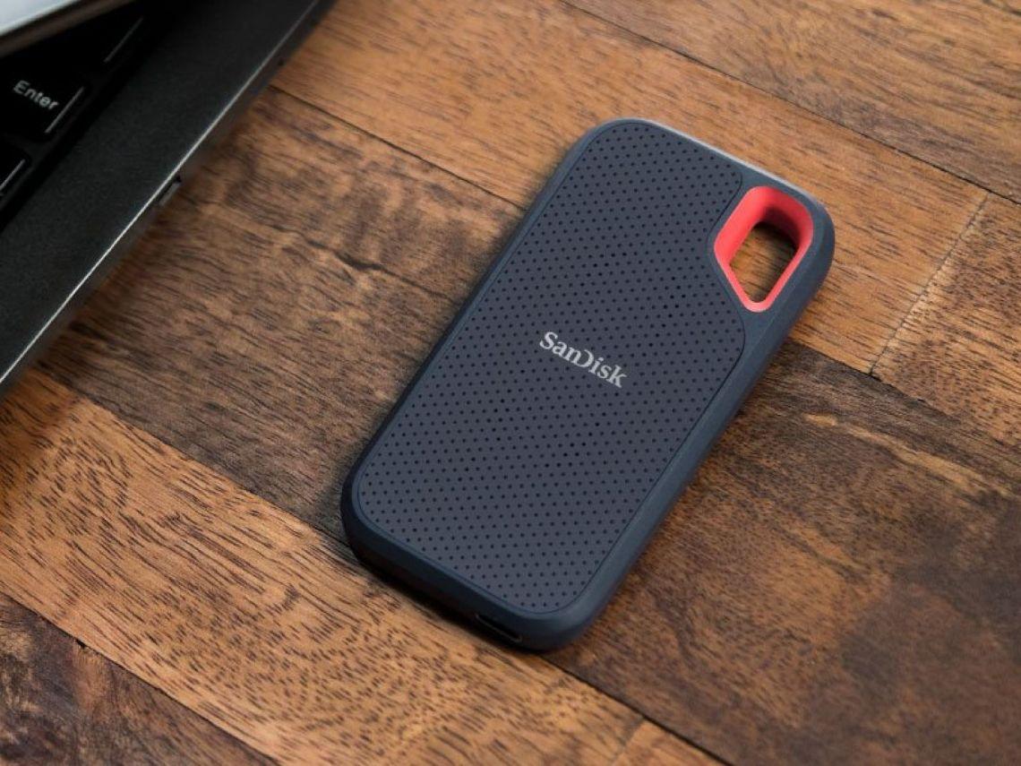 Amazon.com: SanDisk 1TB Extreme Portable SSD - SDSSDE60-1T00-G25: Computers & Accessories