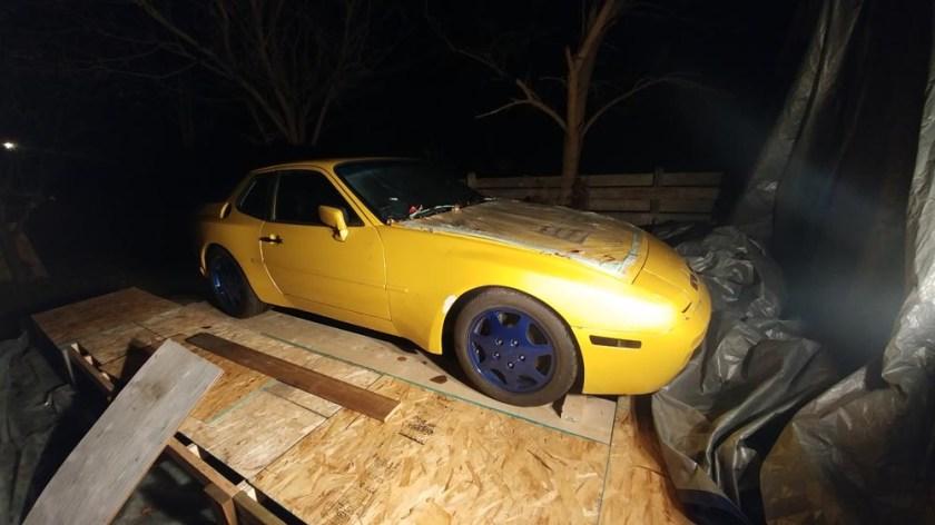 Porsche 944 turbo temporary garage 951