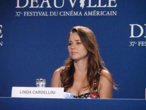 """Linda Cardellini présente en 2011 pour """"Return"""""""