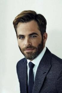 Manners-Stijlinspiratie-de-contrasterende-Suit-and-Beard-combinatie-22