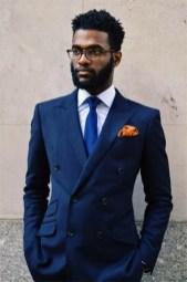 Manners-Stijlinspiratie-de-contrasterende-Suit-and-Beard-combinatie-43