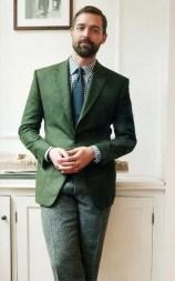 Manners-Stijlinspiratie-de-contrasterende-Suit-and-Beard-combinatie-44