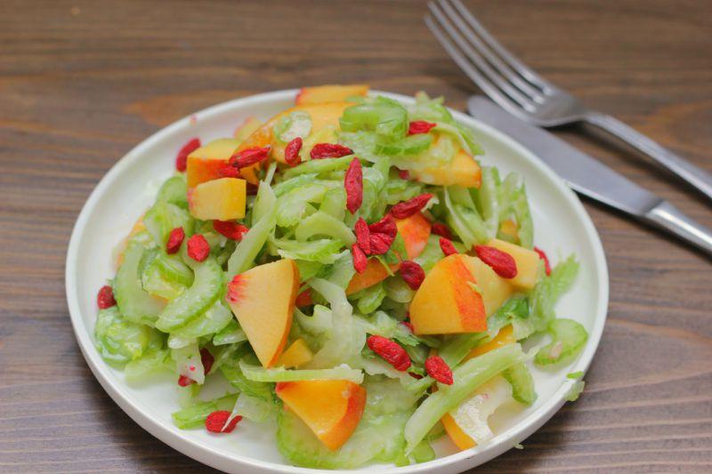 Salade Inspiratie: Bleekselderij Perzik
