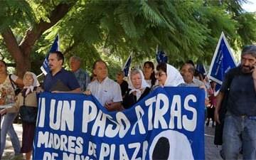 Las Madres de Plaza de Mayo de Mendoza repudiaron la quema del muñeco de Hebe de Bonafini