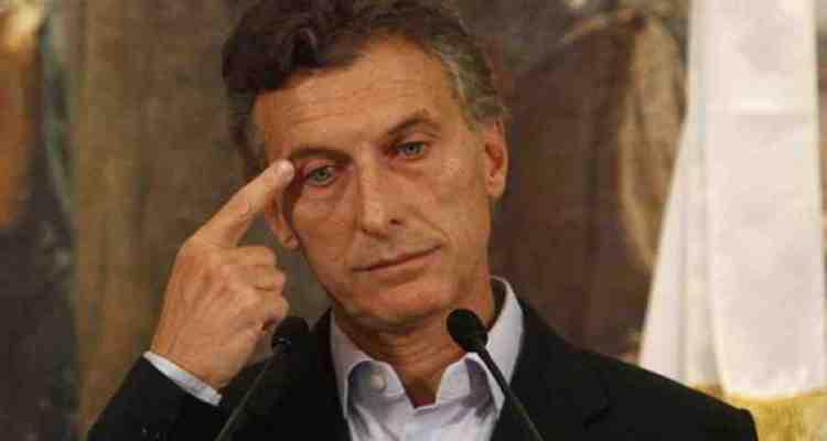Despegándose de Macri