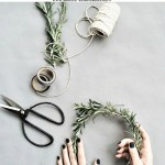 20 Diy Holiday And Winter Wreath Ideas Debbiedoos
