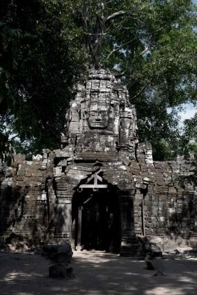 門樓上刻有Jayavarman VII 的微笑佛面