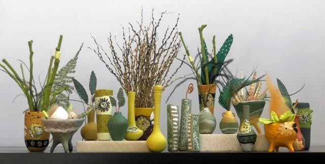 Debbie-Crothers-Polymer-Clay-Artist-Instructor-miniature-pots-vase-floral arrangement-mini pot