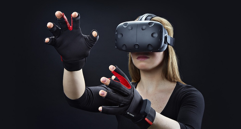 Manus VR Gloves and the HTC Vive for Exceptional Virtual Reality Experiences