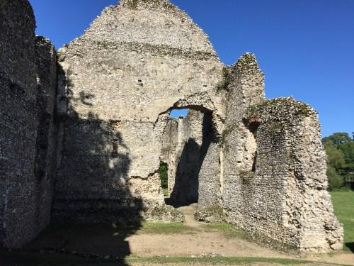 a calming walk around Bishops Waltham Palace Ruins