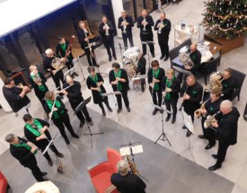 Komt allen tezamen – drukke kersttijd voor De Broederband
