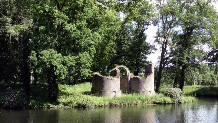 De ruïne van het voormalige kasteel Toutenburg - De Canicula