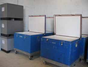 stockage de la neige carbonique en emballage isotherme