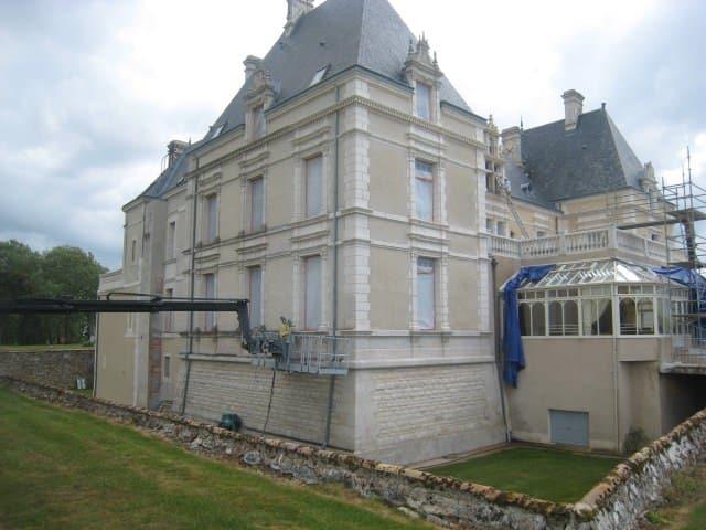 restauration de batiment ancien en pierre interieur et exterieur