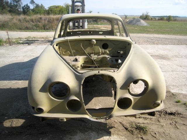 carrosserie Jaguar avec appret peinture