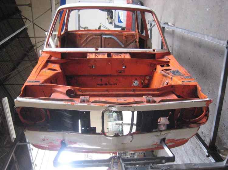 BMW 2002 (orange) 011