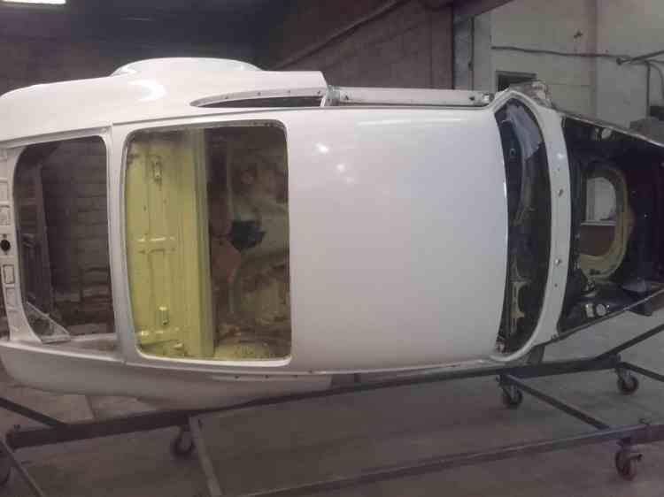 Porsche RS sur prête pour le sablage