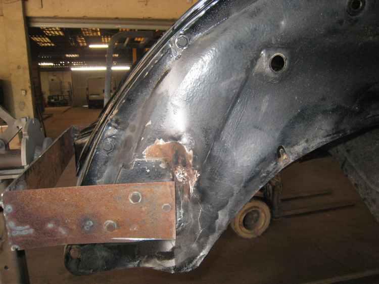 repérage de rouille sur carrosserie de cocinelle cabriolet